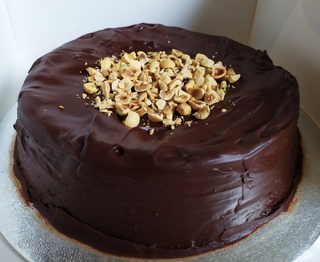 Chocolate and hazelnut cake no writing